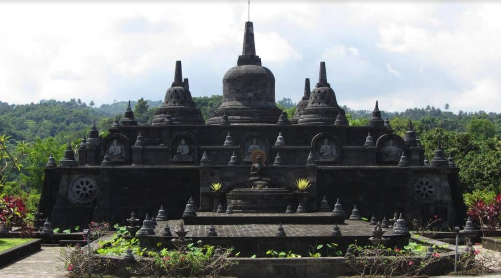 Budhist temple Banjar, things to do north bali